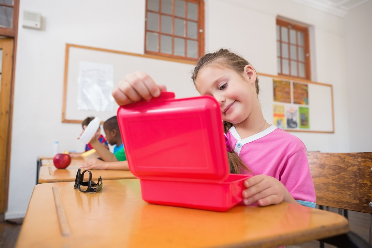 Pack a lunch for your children and don't fall into the trap of pseudo-healthy snacks